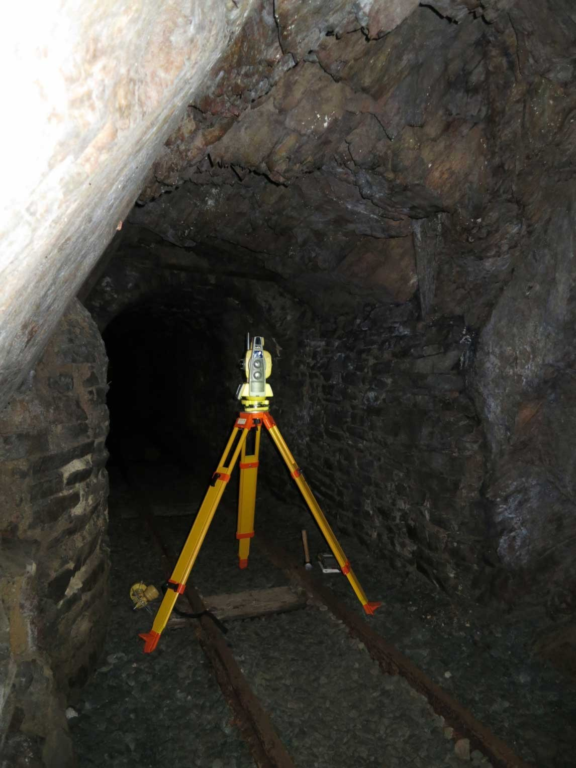 Figure 5 Topcon GPT9005 running through a round of angles